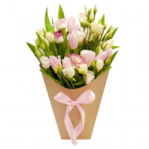 """Букет с тюльпанами """"Конвертик счастья"""""""